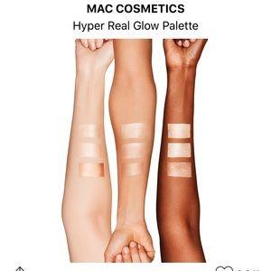 MAC Cosmetics Makeup - MAC Hyper Real Glow Highlighter Palette
